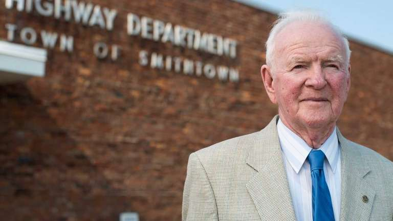 Former Smithtown Highway Superintendent James E. Dowling, 90,