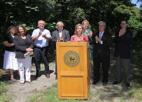 Suffolk County officials and others announce an agreement