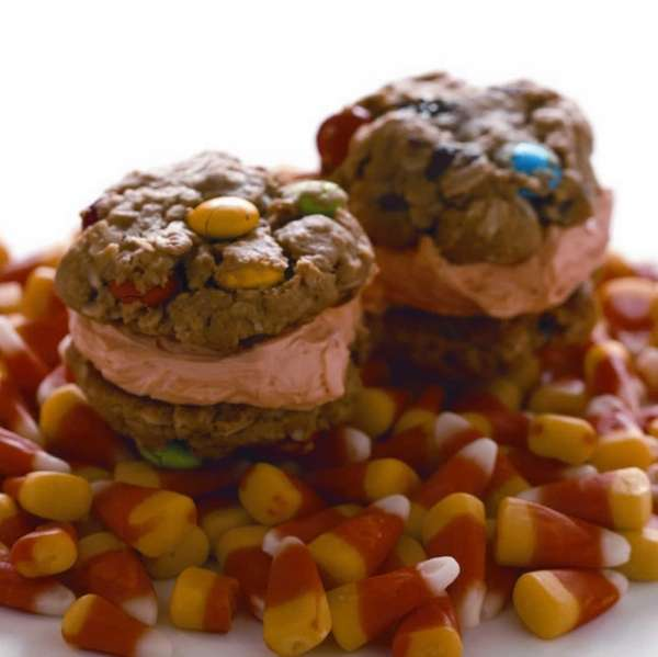The Halloween Ice Scream sandwich recipe can be