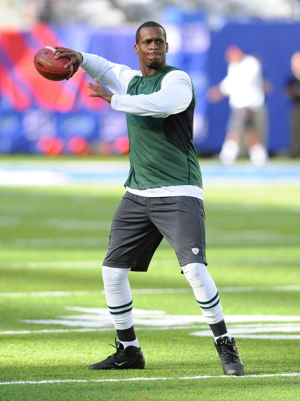 Jets quarterback Geno Smith (7) during pregame of