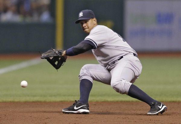 Yankees third baseman Alex Rodriguez cannot field a
