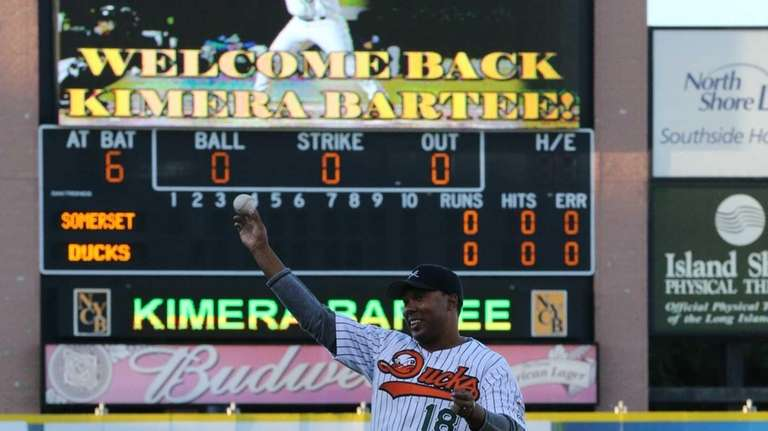 Former Ducks star Kimera Bartee throws out the