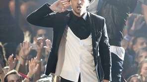 Justin Timberlake performs during the 2013 MTV Video
