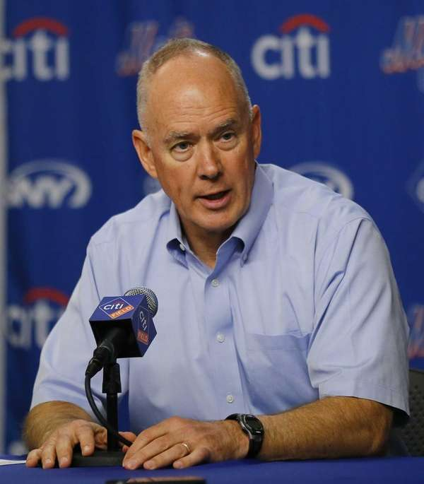 Sandy Alderson speaks at a press conference announcing