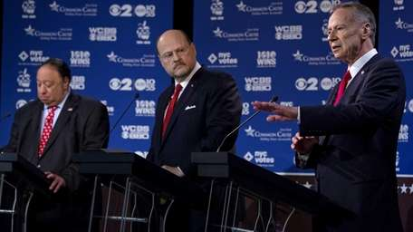 New York Republican mayoral candidate George McDonald, right,