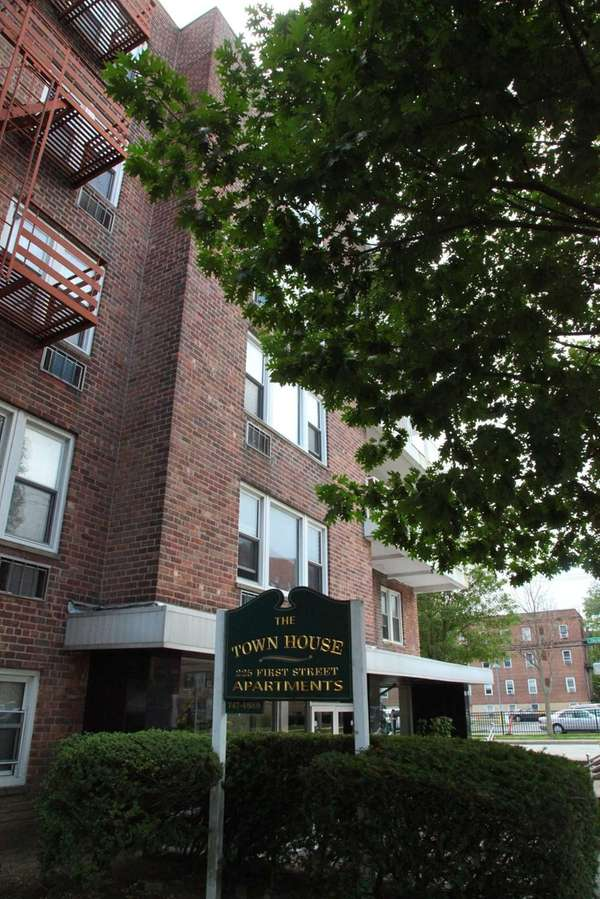 Town House Apartments in the Village of Mineola