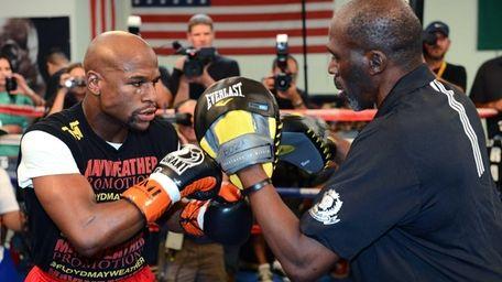 LAS VEGAS, NV - AUGUST 28: Boxer Floyd