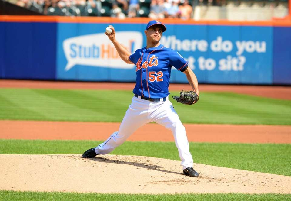 Mets pitcher Carlos Torres pitches against the Philadelphia