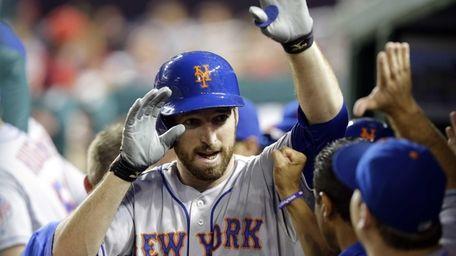 Mets' Ike Davis celebrates his two-run home run
