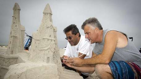 During the inaugural Seaside Sand-Sculpting Spectacular competition, Frank