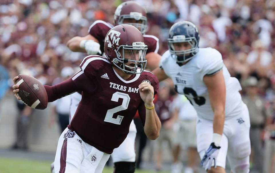 Johnny Manziel #2 of the Texas A&M Aggies