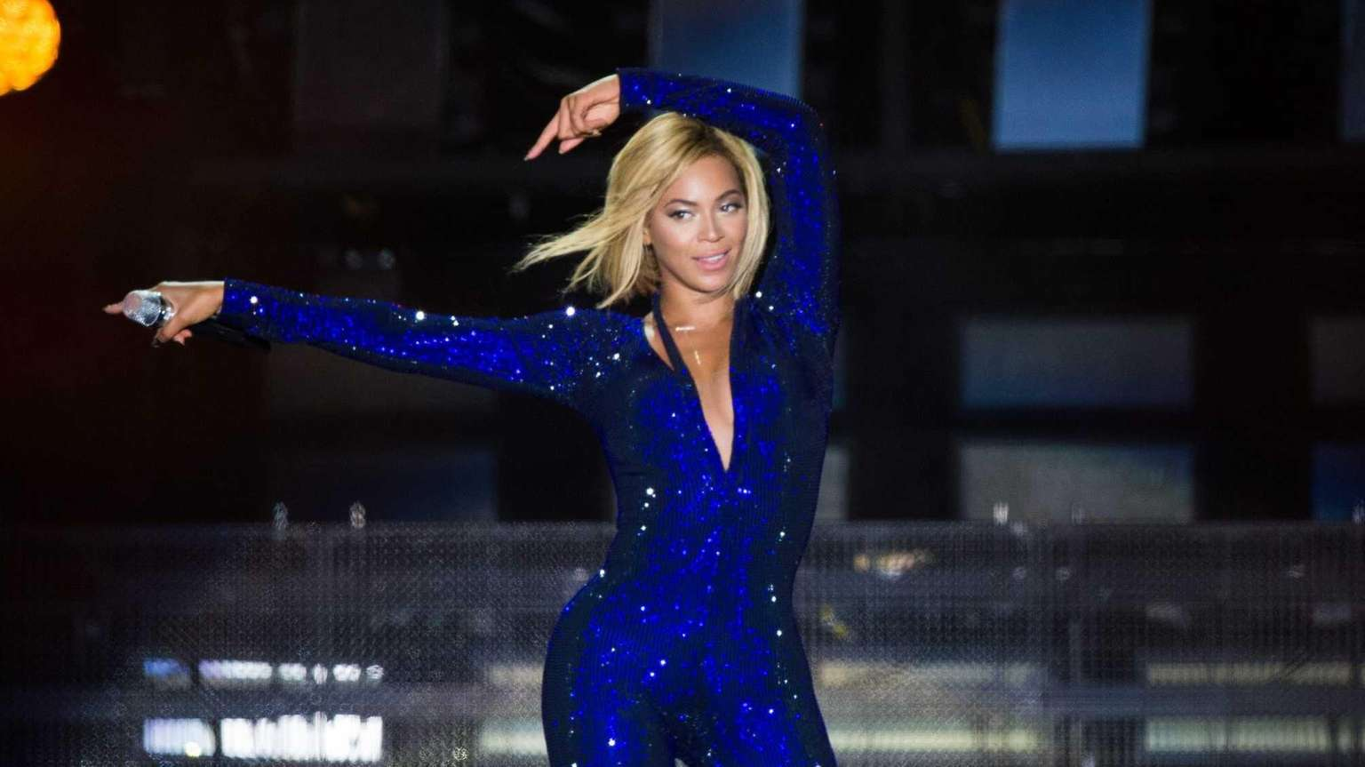 Beyoncé performs on the Virgin Media Stage at
