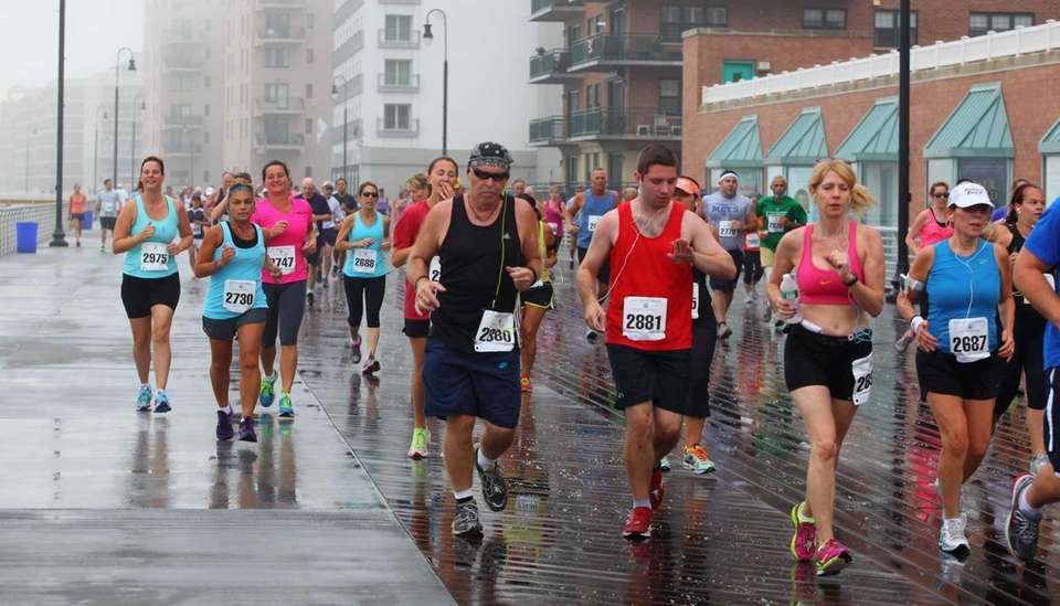 About 400 runners participate in the City of