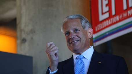 Congressman Steve Israel calls for action to extend