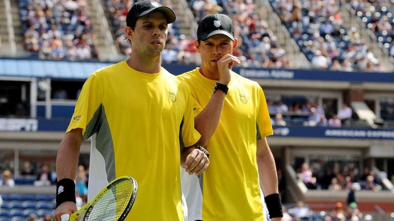 Bob Bryan and Mike Bryan of the United