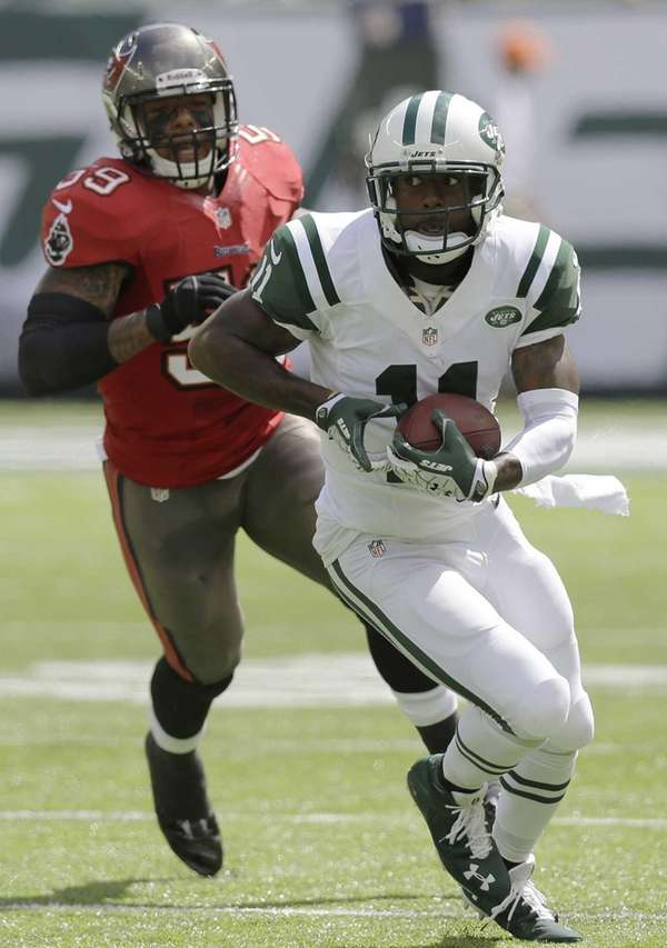 Jeremy Kerley (11) runs with the ball on
