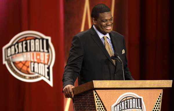 Inductee Bernard King speaks during the enshrinement ceremony
