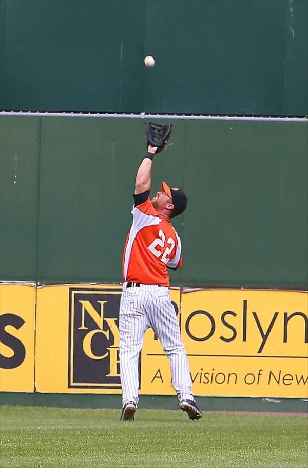 Ducks center fielder Lew Ford makes the grab