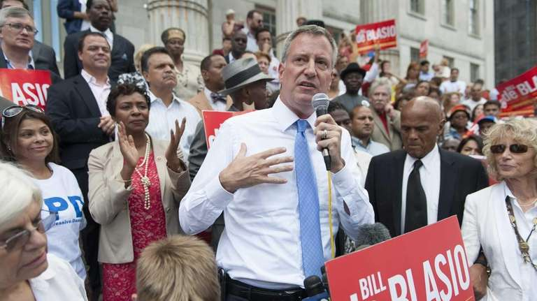 Democratic mayoral candidate Bill de Blasio speaks at