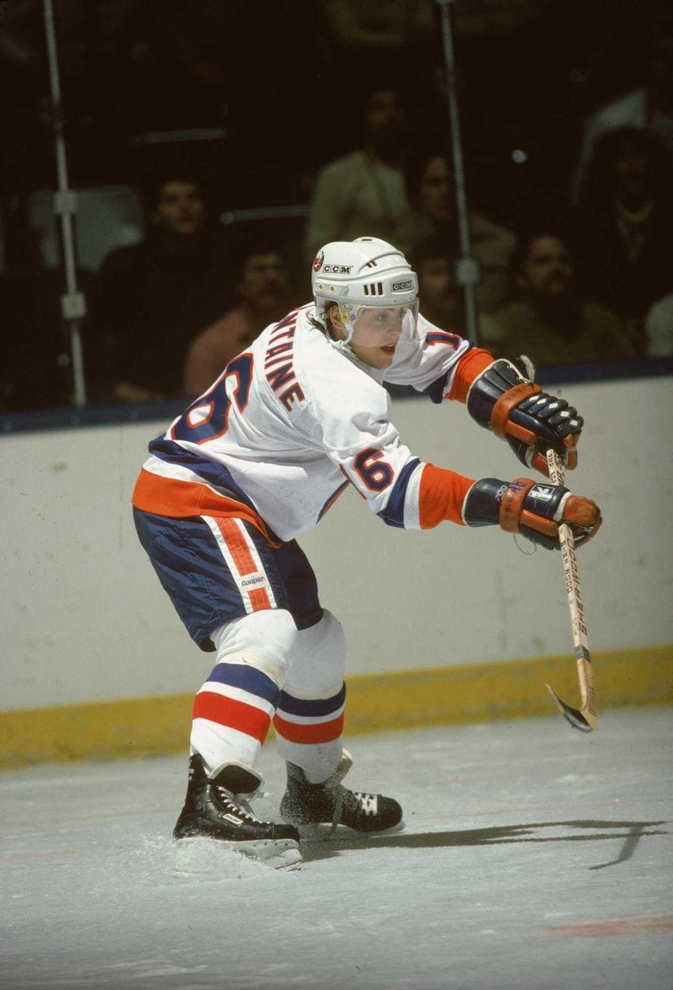 PAT LAFONTAINE, Center Islanders (1983-1991): 530 games, 287
