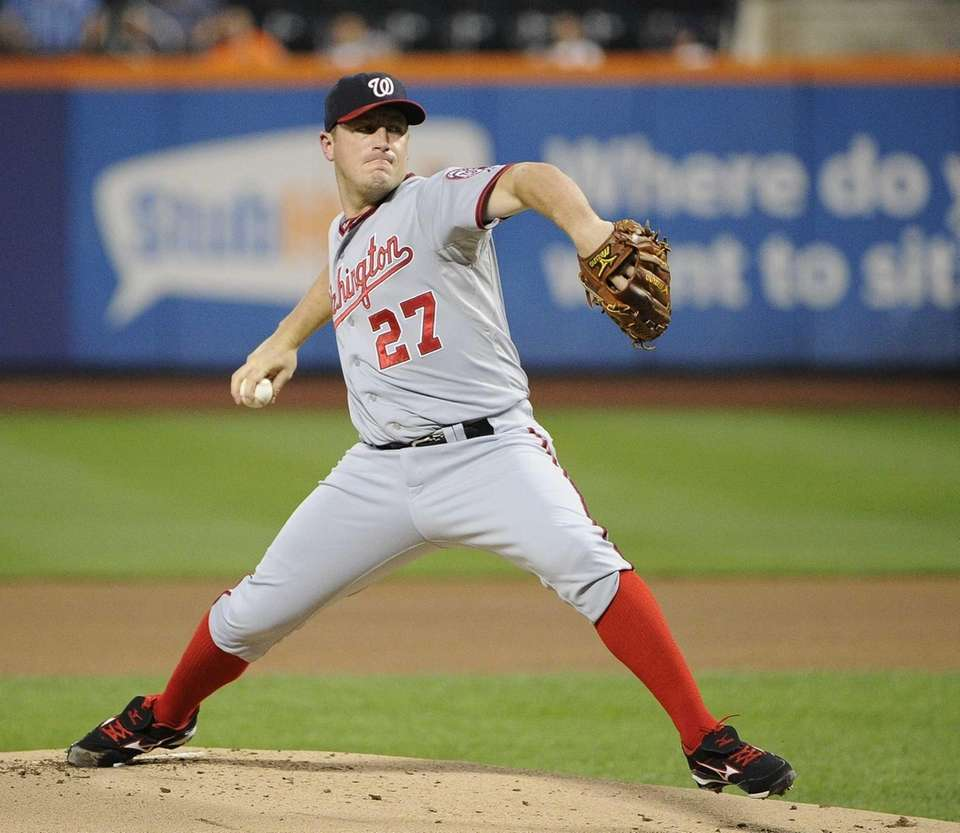 Washington Nationals starting pitcher Jordan Zimmermann delivers a