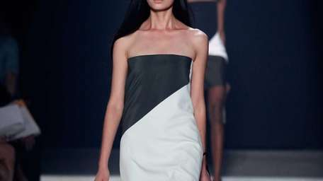 The seaming popped up on sleek crepe dresses,