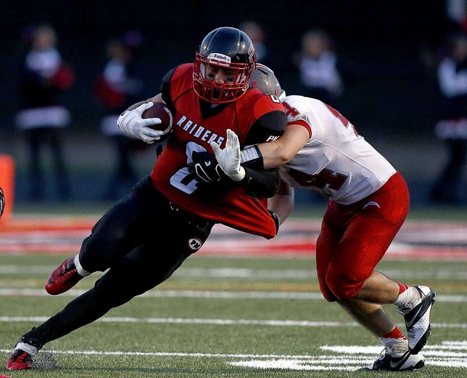 Connetquot's Chris Beal takes down Patchogue receiver Connor