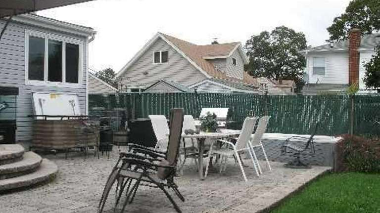The home at 100 Hale Pl. in Bellmore,