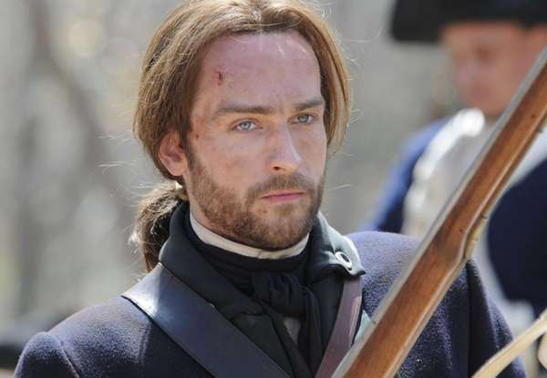 Tom Mison in