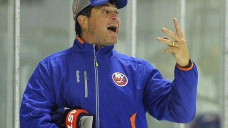 Islanders head coach Jack Capuano makes a point