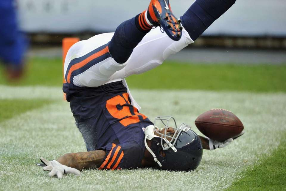 Chicago Bears wide receiver Brandon Marshall (15) celebrates