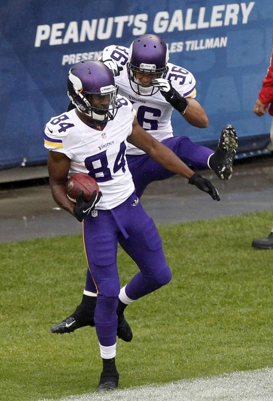 Minnesota Vikings wide receiver Cordarrelle Patterson (84) celebrates