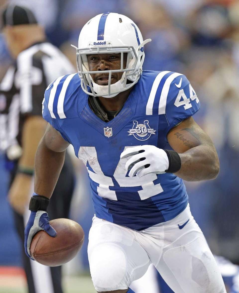 Indianapolis Colts runningback Ahmad Bradshaw celebrates following a