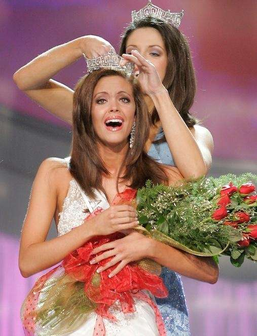 Miss Oklahoma, Jennifer Berry, is crowned Miss America