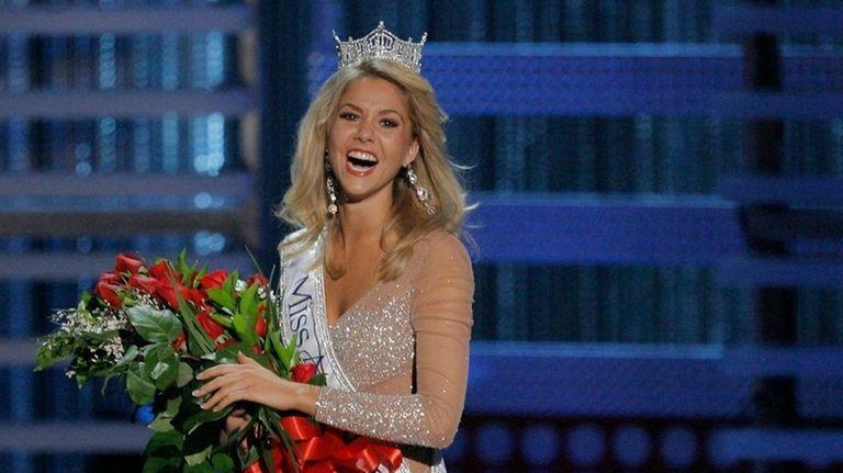 Kirsten Haglund celebrates after being crowned Miss America