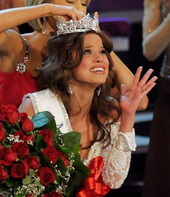 Miss Indiana, Katie Stam, is crowned Miss America