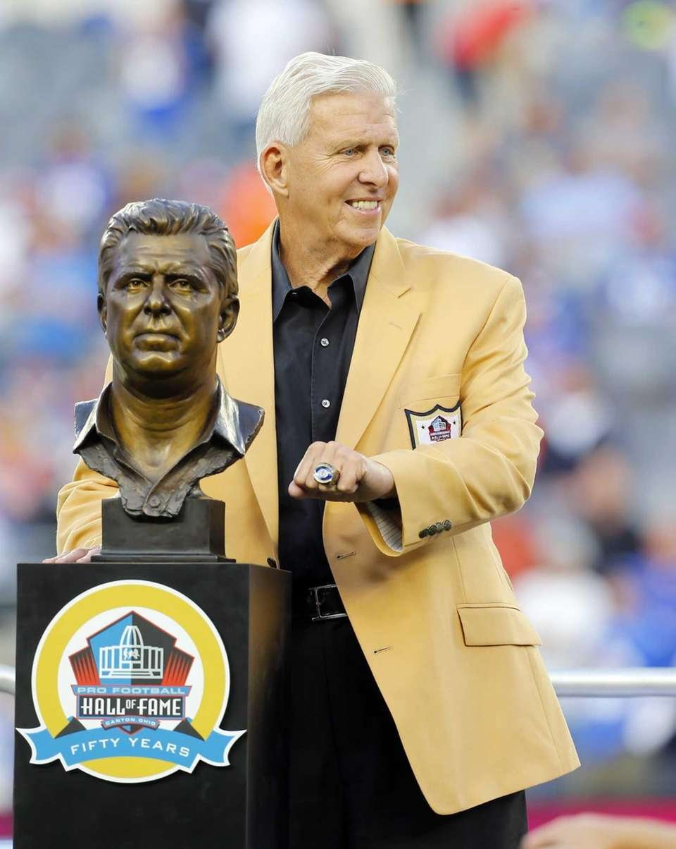 Former Giants head coach Bill Parcells poses with