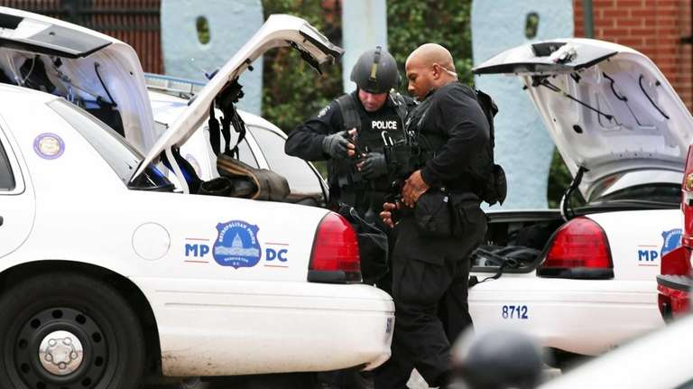 Two DC Metro Police officers put their gear