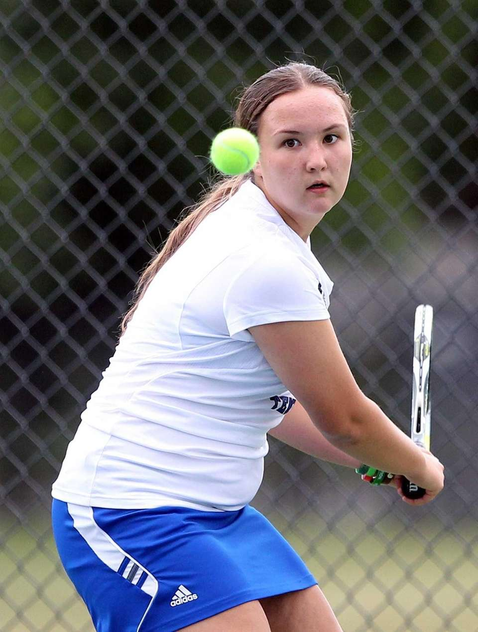 Roslyn's doubles player Sophie Radotzky in a match