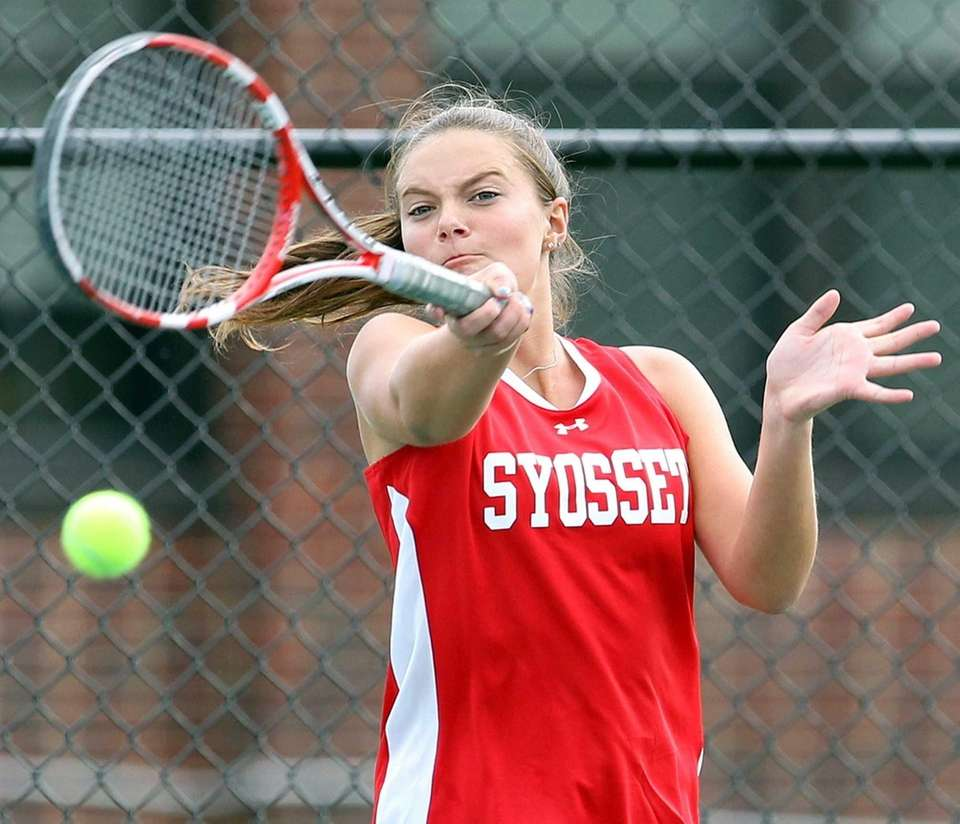 Syosset's Katie Cirella in a match against Roslyn's