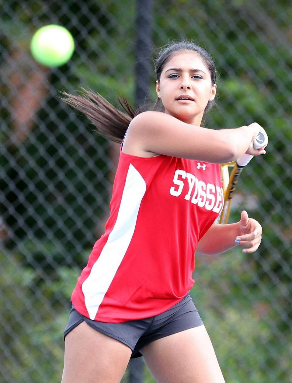 Syosset's Rhea Malholtra in match against Roslyn's Alexa