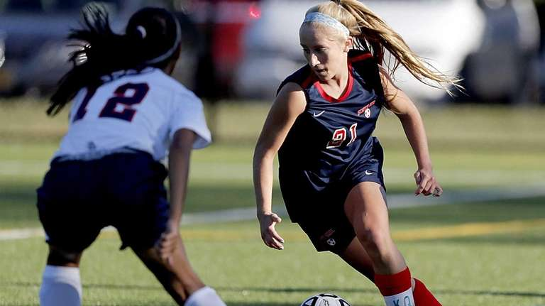 South Side's Christina Klaum dribbles around Cold Spring