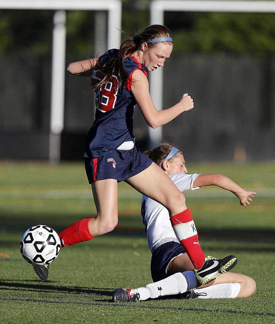 South Side's Keri Cavallo controls the ball ahead