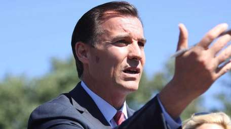 Nassau County Executive candidate Tom Suozzi is joined