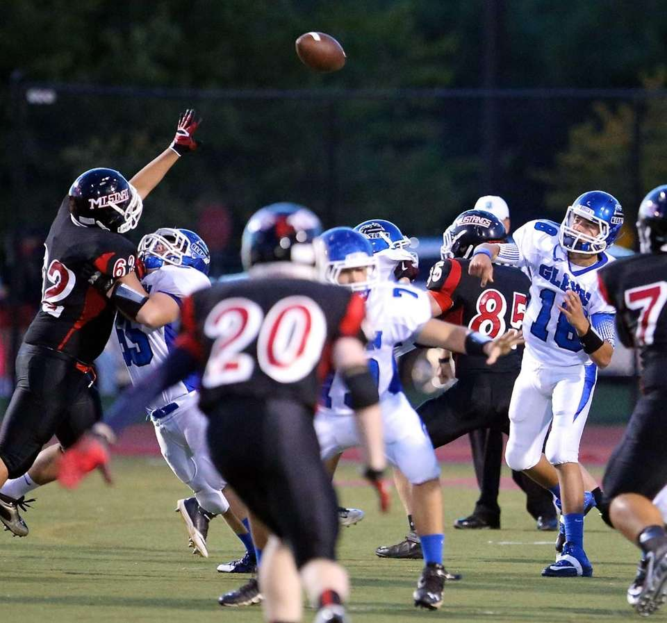 Glenn QB Tom Balacki gets the touchdown pass