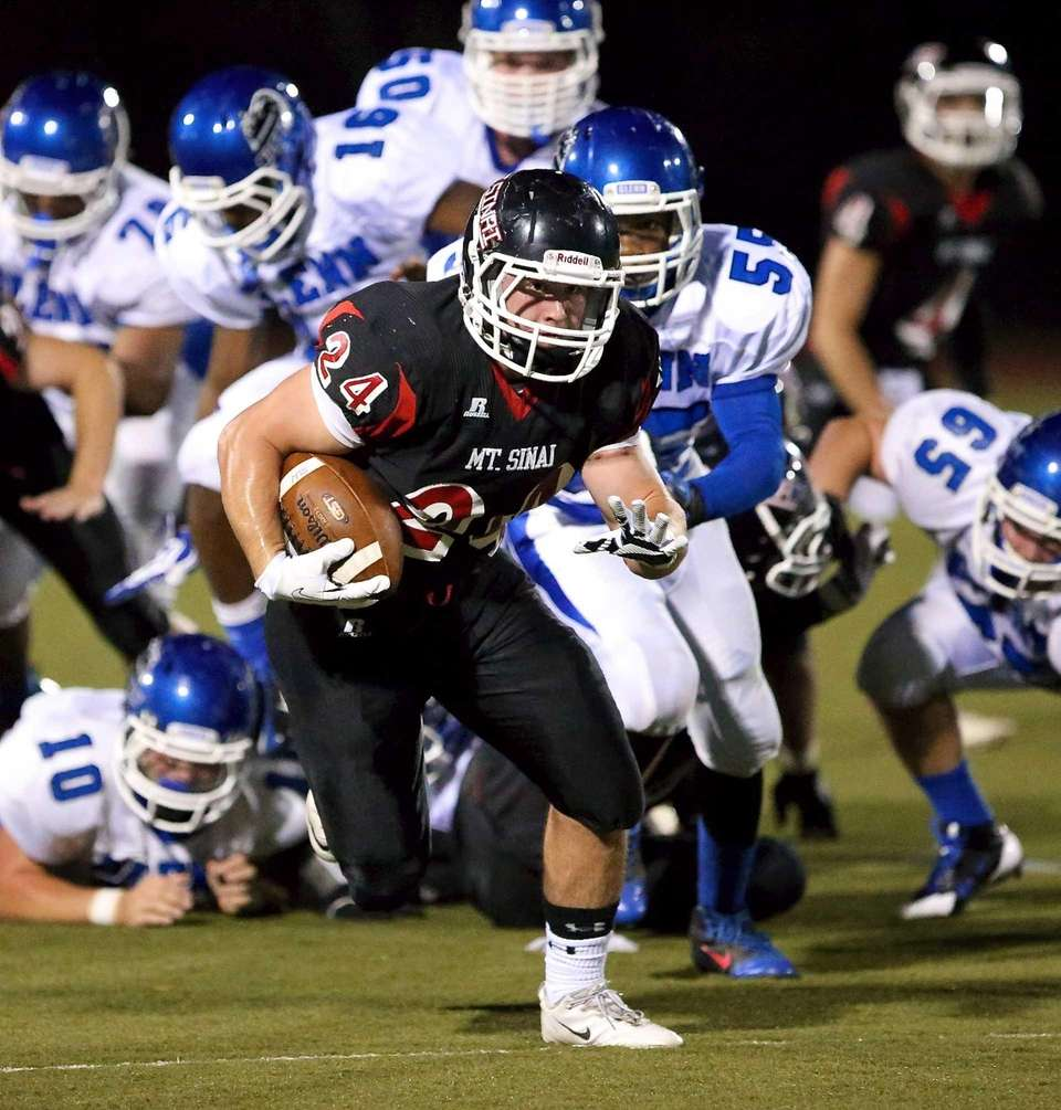 Mt. Sinai RB Mike Cortese blows through the