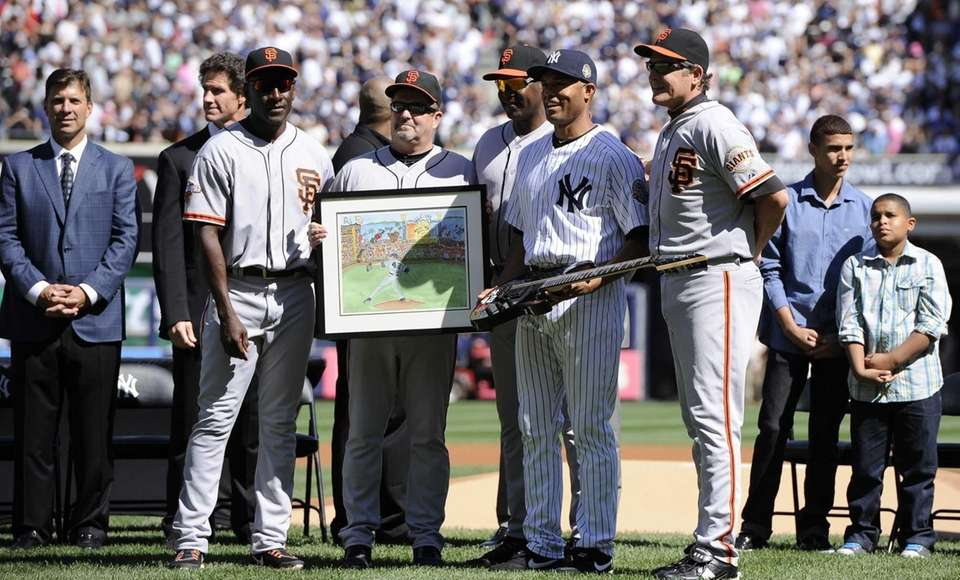 Mariano Rivera receives gifts from the San Francisco