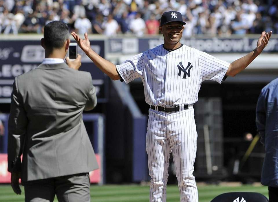 Yankees closer Mariano Rivera stands on the pitcher's