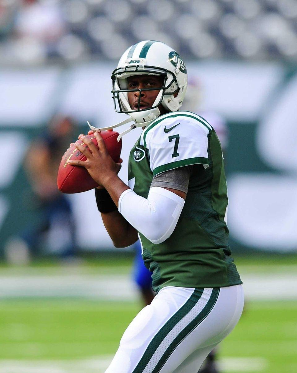Jets quarterback Geno Smith during pregame warmups in