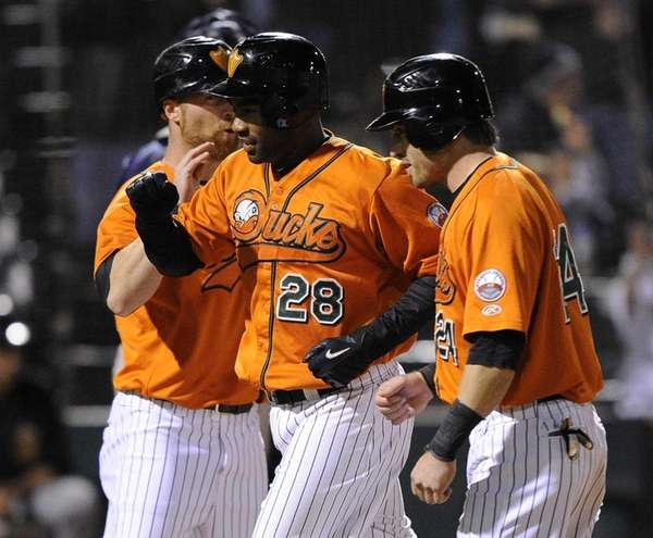 Ducks second baseman Josh Barfield, center, hit a